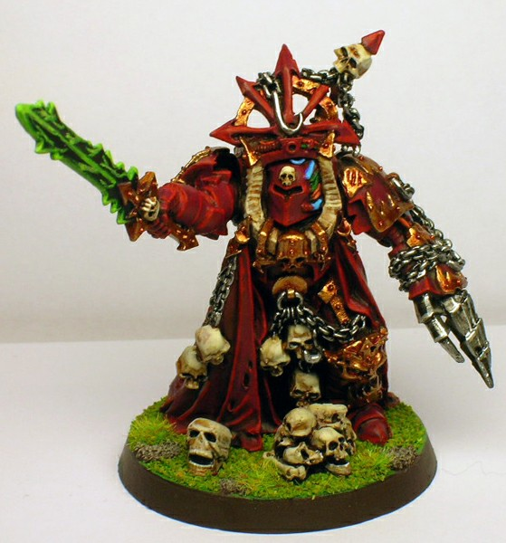 http://dismember.free.fr/wh40k/chaos_lord_front.jpg